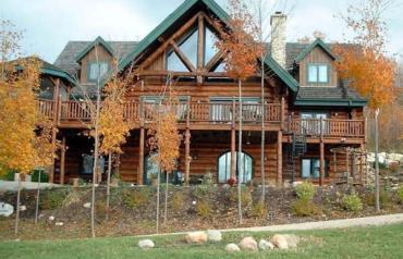 Beautiful Log Home, Kimberley, Ontario Canada