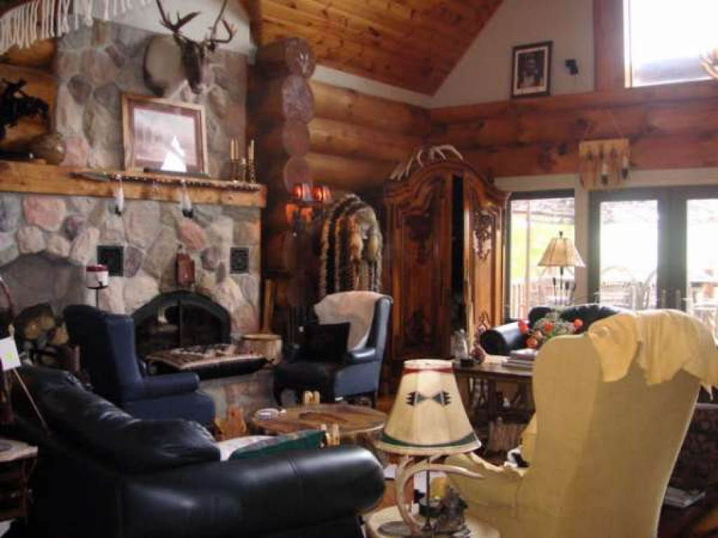 Beautiful Log Home Kimberley Ontario Canada Property