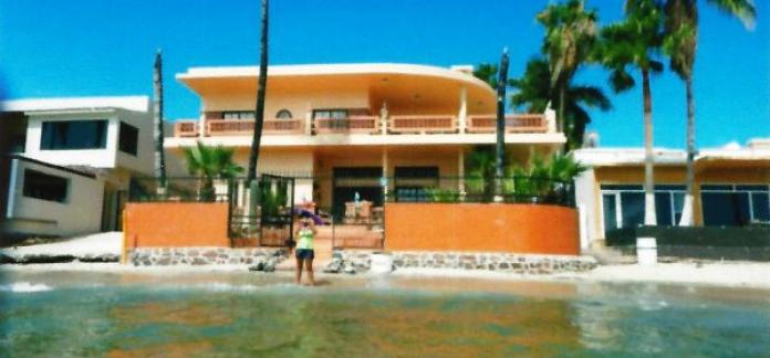 Beachfront Home Miramar