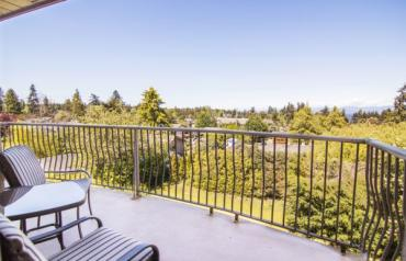 Top Floor View Condo - Hirst
