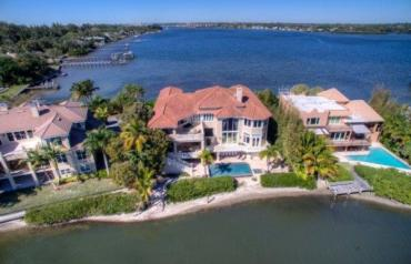 Spectacular Siesta Key Estate