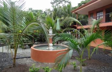 'CASA PANASA' - Wonderful 2Br/2Bth House with 4 Rental Apartments