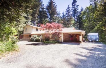 Acreage with 2 Homes - Melon Rd