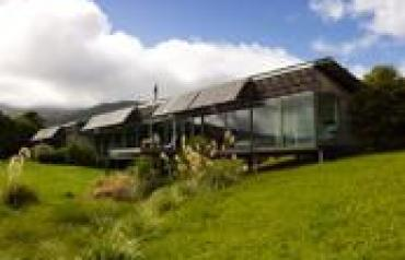 New Zealand NZIA Supreme Award winning rural residence