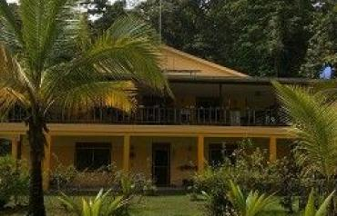 Turnkey Coastal Bed And Breakfast on Bastimentos