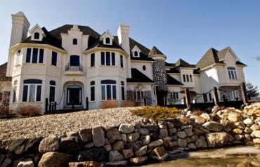 Lake Geneva Absolute Property Auction