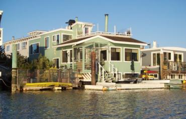 Large Luxury California Houeboat / Floating Home!