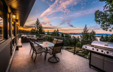 Renovated Home with World Class Views - Sea Lion