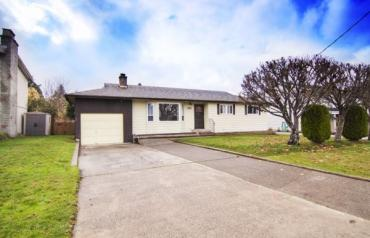 Central Parksville Rancher with Detached Shop - Harnish Ave