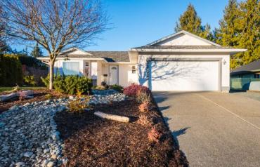 Charming Central Parksville Rancher - Banks Ave