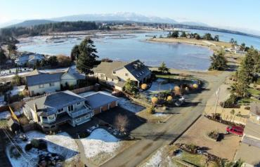 Beautiful Parksville Semi-Waterfront Home - Mariner Way