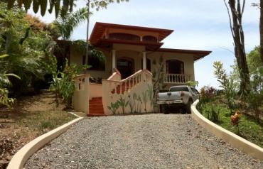 1906 Beautiful House in Dominical well located with Ocean view, Costa rica, South Pacific