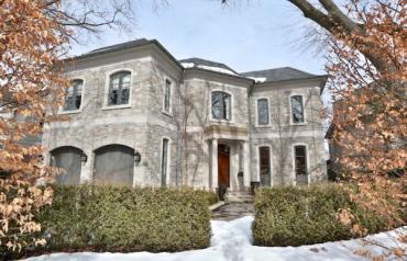 Riverview Dr Landmark Mansion