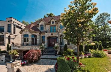 Luxury home in Montreal