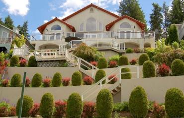 PRICE REDUCED!  Luxury At The Lake