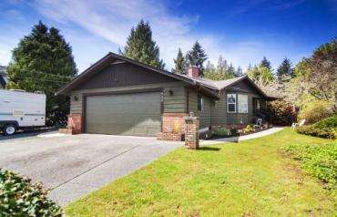 Lovely French Creek Rancher - Fishermans Circle