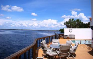 Luxurious Waterfront Villa W/65 Ft Dock & Private Heated Pool