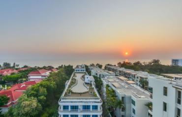 Luxury Beachfront Apartment in Hua Hin at Baan Suanrimsai