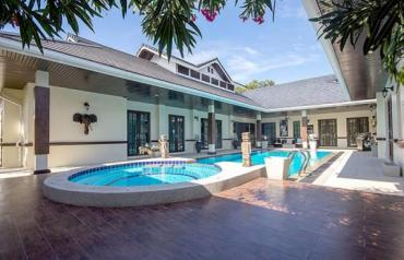 Luxury Bali Style Pool Villa in Hua Hin at Palm Hills Golf Resort
