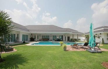New 6-Bedroom Pool Villa in Hua Hin near Palm Hills Golf