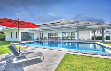 Brand new Luxury Pool Villas in Hua Hin o Cha-am next to Palm Hills Golf