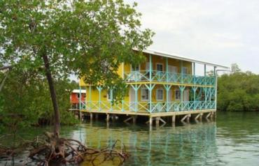 Over-Water Hotel With Restaurant In Panama