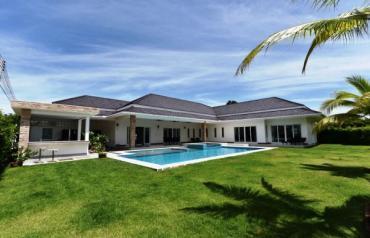 Luxury 5-Bed Pool Villa in Hua Hin near Palm Hills Golf Resort