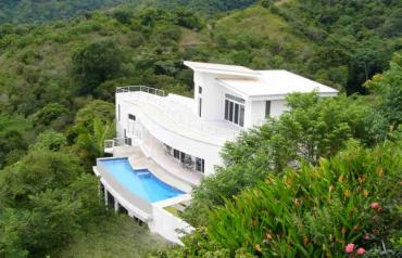 Ocean View, Hidden Jungle Valley, Infinity Pool, 4 Mins to Beach, $86,000 p.a. Rental Income, Owner Financing