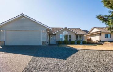 Updated Parksville Rancher - Lodgepole Dr