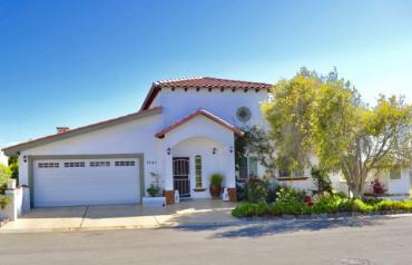 Golf Course Home in Popular Gated Ocean-Front Bajamar Resort Community near Ensenada, Mexico