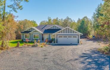 Beautiful Errington Acreage - Evergreen Way