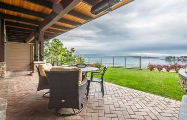 Parksville Waterfront Resort Condo - Resort Drive