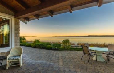 Qualicum Beach Oceanview Home - Bluffs Drive