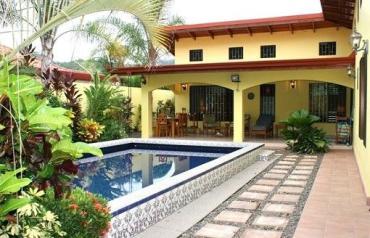 Casa Tranquila In Jaco Beach