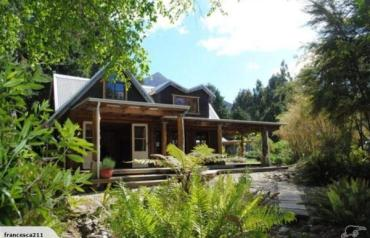 Accommodation lodge on beautiful New Zealand walking track