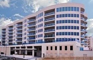 Magnificent / Luxury Condominium With Ocean Views!