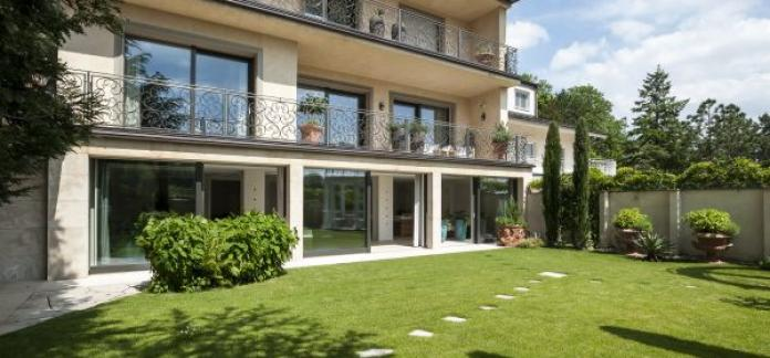 Dream Villa in Vienna at the foot of the Coblenze Mountain