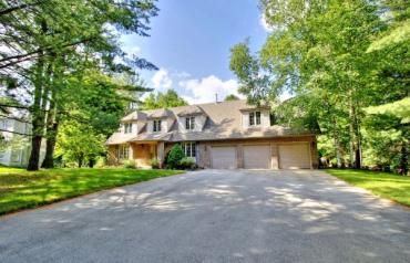 Premium Court Location Nestled in the Heart of Woodland Acre Estates