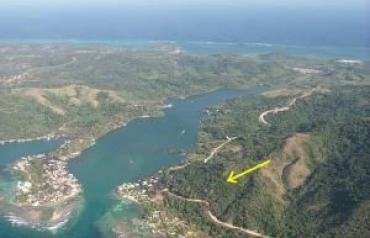 Bay Islands - Roatan - 6.5 acres with water views and backed by national forest