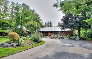 Private and Serene Property in Woodland Acres Estates