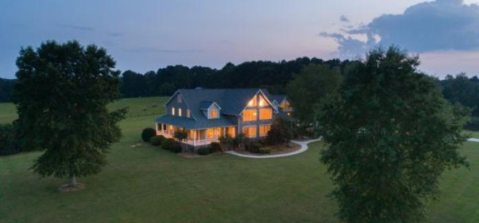 AUCTION: Premier Country Estate on 107± Ac (9 of 10 Tracts Selling Absolute)