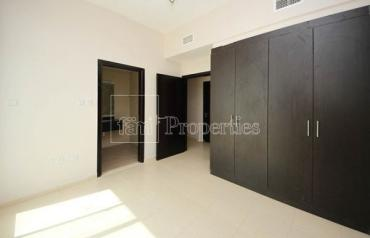 Open View, Spacious and Bright Apartment