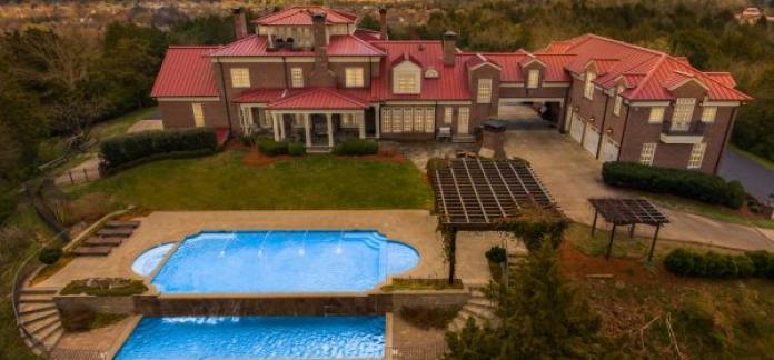 AUCTION Carlisle Hill - 10± Acre Gated Hilltop Showplace