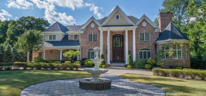 Watchung, NJ Mansion On 1.85 Acres Offered at $2,749,000
