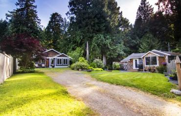 Qualicum North with Home & Cottage - Dunsmuir Rd