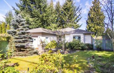 Fabulous Qualicum Woods Rancher - Chester Rd