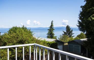 Qualicum Beach with Views & Suite - Hoylake Rd