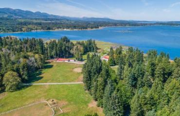Magical Semi-Waterfront Acreage - Wavell Rd