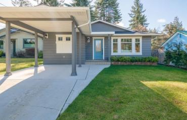 Updated Qualicum Beach Rancher - Mill Rd