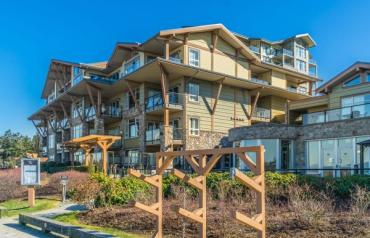 Parksville Oceanview Vacation Condo - Beachside Dr